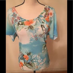 Tops - Floral top short sleeve size L